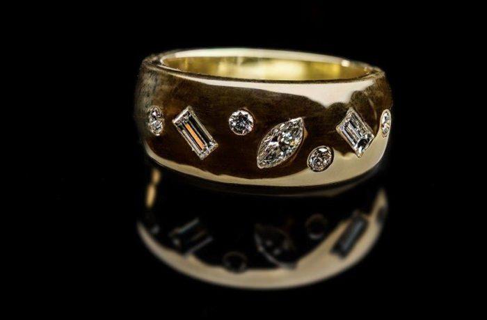 Ring 750er Gelbgold mit 7 Diamanten