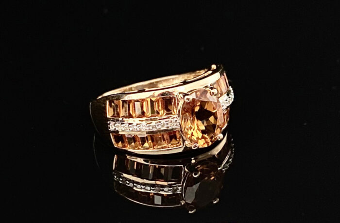 Ring 585er Gelbgold mit Farbsteinen und kleinen Diamanten